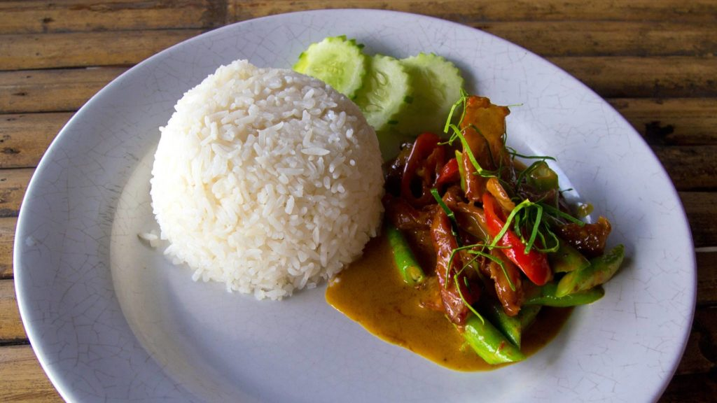 Panaeng Curry mit Reis