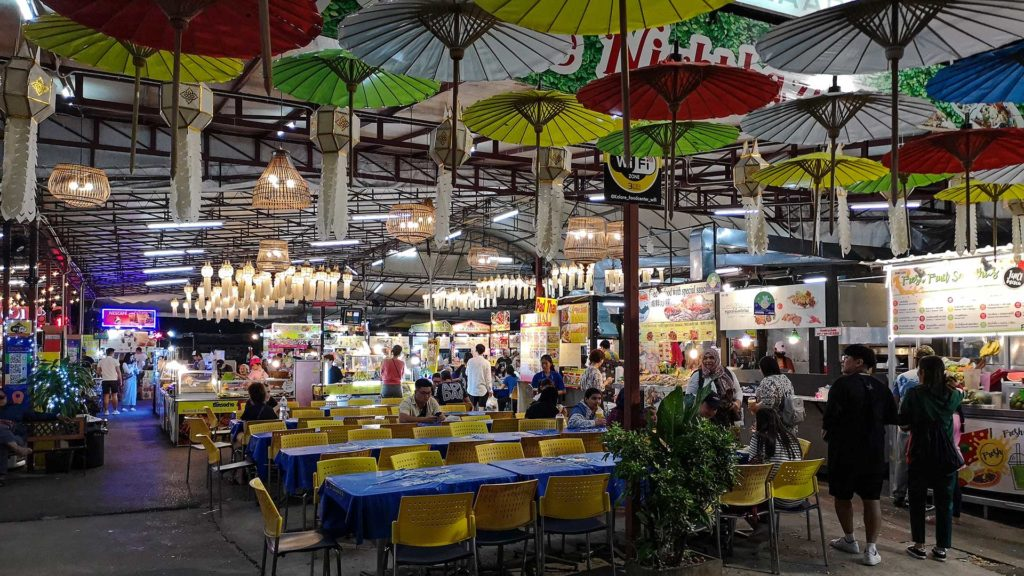 Der Foodcourt des Kalare Night Bazaar